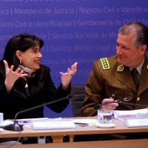 Documento revelaría que general Villalobos y Javiera Blanco recibieron sobresueldo con cargo a gastos reservados de Carabineros