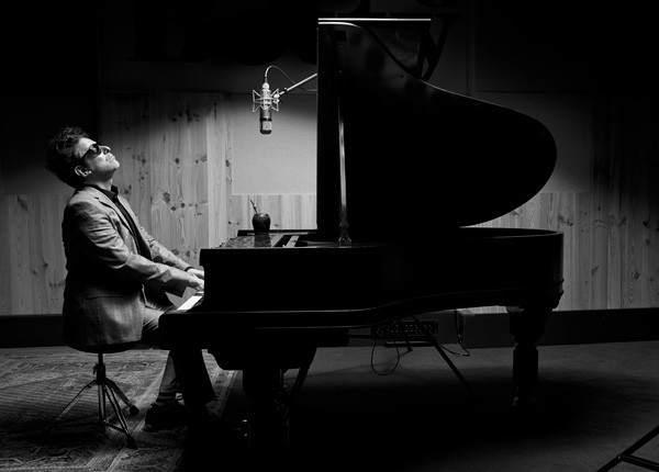 """Andrés Calamaro y su nueva gira: """"Espero haber cantado con dignidad los tangos»"""