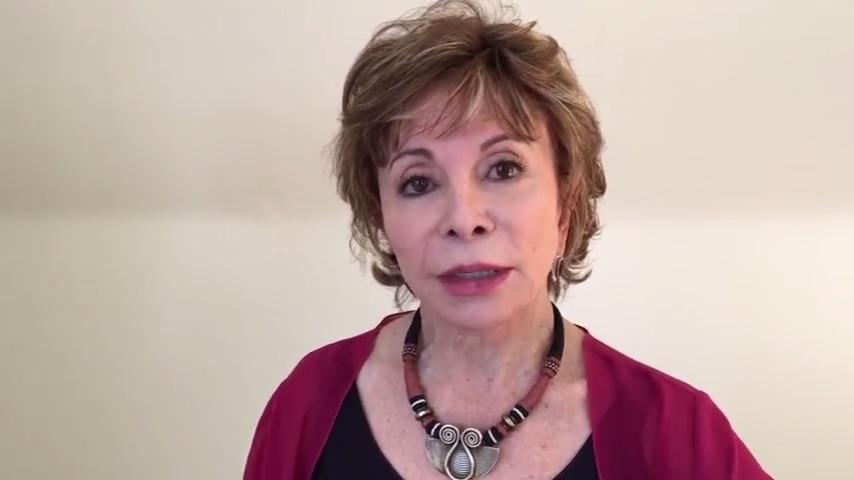 """Isabel Allende: """"Chile tiene una de las leyes más draconianas del mundo respecto al aborto"""""""