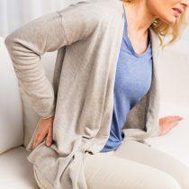 ¿Te duele la espalda? Cuidado si el lumbago es prolongado