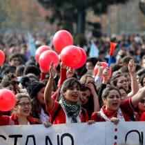[FOTOS] Estudiantes vuelven a marchar por la Alameda para pedir el fin del CAE