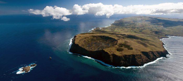 Pascuenses rechazan construcción de parque marino en Rapa Nui