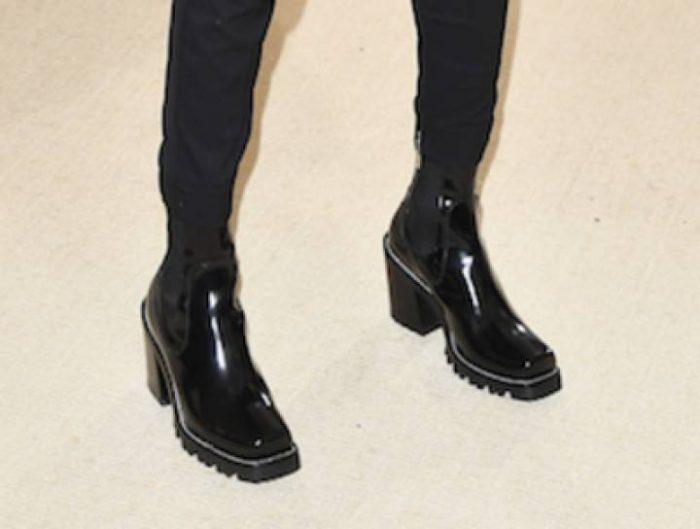 9c4916be No debería ser tan extraño si este tipo de zapatos nació justamente como  prenda masculina: desde los jinetes persas en el siglo XVI que usaban este  tipo de ...