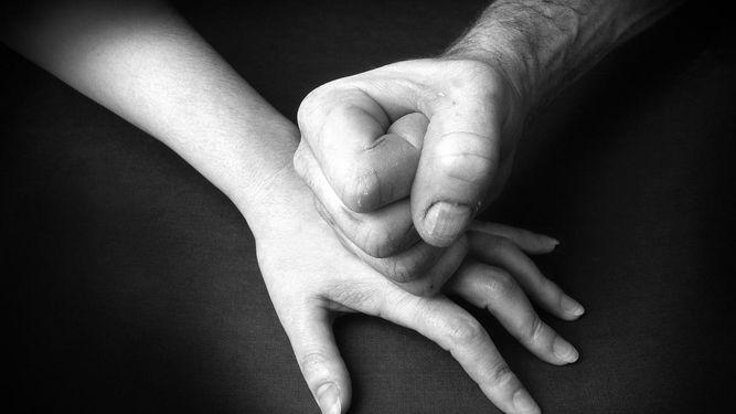 Relaciones tóxicas: denuncias por violencia sexual en el pololeo y entre adolescentes aumentó un 64%