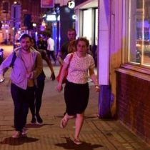 Reino Unido: al menos un muerto luego de que una camioneta atropellara a varias personas en el Puente de Londres