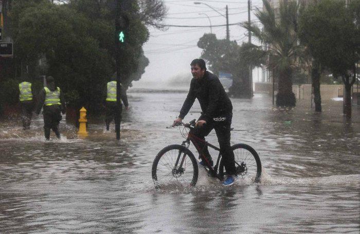 """Climatólogo Raúl Cordero e informe del IPCC: """"el cambio climático exacerba la conflictividad social"""""""