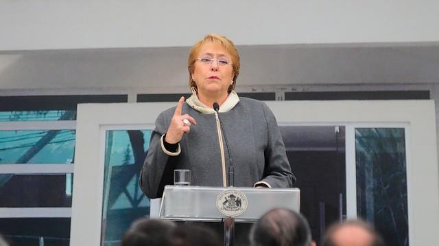 Bachelet por Frente Amplio: