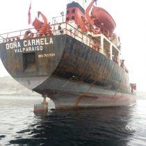 """[VIDEO] Comenzaron las protestas en Mejillones por la presencia del polémico buque """"Doña Carmela"""""""