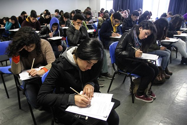 Reforma a las universidades estatales: el último saludo a la bandera del gobierno de Bachelet