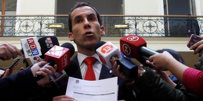 Alcalde Alessandri pierde la paciencia ante retomas del Instituto Nacional: