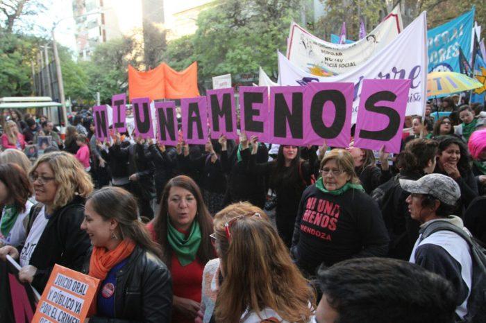Argentinas se manifiestan nuevamente contra la violencia machista