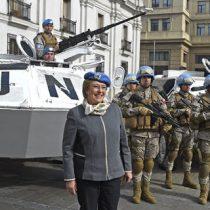 [FOTOS] La bienvenida de Michelle Bachelet a las tropas chilenas que cumplieron misión de paz en Haití