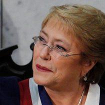 Con despenalización del aborto y matrimonio igualitario Bachelet entra de lleno a la arena electoral