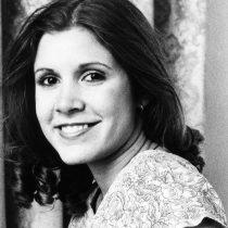 Carrie Fisher murió por apnea del sueño y otros factores, según el forense