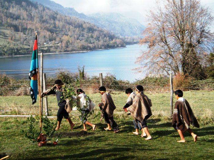 """Ceremonia tradicional mapuche """"Wiñol Tripantü en Museo Violeta Parra"""