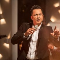 Charlie Zaa regresa a Chile a presentar su último disco Celebración