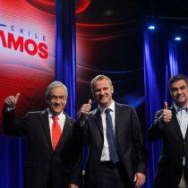Debate Chilevamos: Piñera visiblemente complicado al responder por casos de corrupción en su gobierno