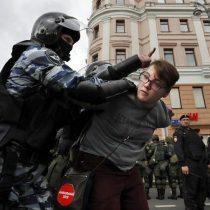 Cerca de dos mil detenidos en protestas antigubernamentales en Rusia