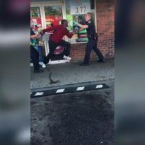[VIDEO] La violenta y extraña reacción de un joven bajo los efectos de la droga