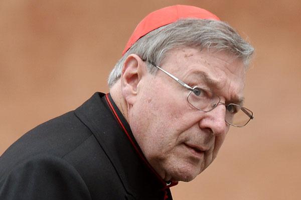 Cardenal del Vaticano es acusado de abusos sexuales contra menores