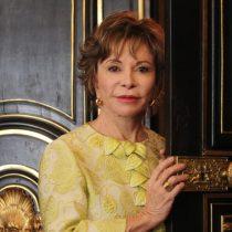 """Isabel Allende enamorada a los 75: """"Mis nietos se escandalizaron de que tenga un nuevo novio"""""""