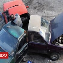 [VIDEO] La curiosa versión del fidget spinner hecha con tres autos rusos que fabricaron mecánicos aficionados