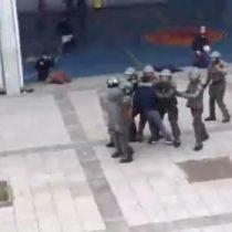 [VIDEO] Extraño incidente termina con Carabineros en patio del Liceo de Aplicación mientras los alumnos se encuentran en clases