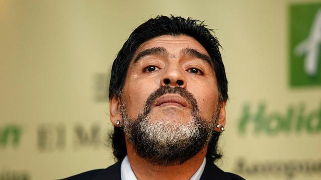 """Maradona le pega a Capriles: """"La diferencia entre vos y yo es que yo no me vendí"""""""