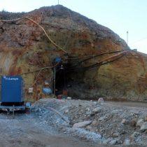 Bomberos y equipos de rescate intensifican trabajos en mina Cerro Bayo de Aysén