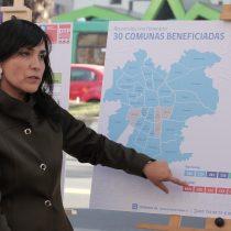 Ministra de Transportes presenta 30 recorridos del Transantiago que tendrán horario fijo