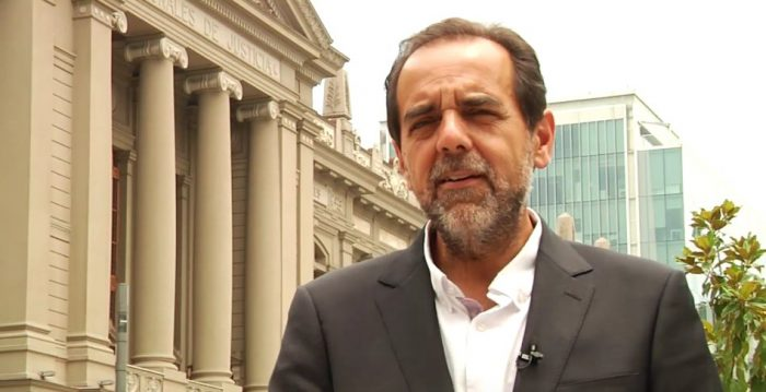 Jaime Mulet apunta contra diputados tras postergarse elección de gobernadores regionales