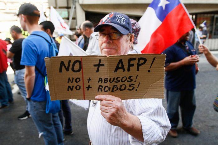 """Es una irresponsabilidad o """"locura"""" sostener que los trabajadores son dueños de su cuenta en la AFP"""