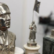Descubren detrás de un muro el mayor tesoro de artefactos nazis jamás hallados en Argentina