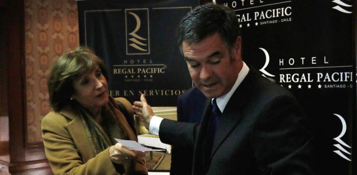 Ossandón no suelta a Pilar Molina: la trenza tras la operación en Radio Agricultura que denunció el senador