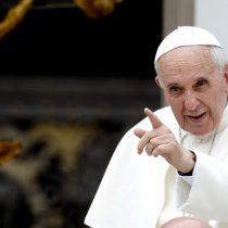 """El hombre clave en la visita del Papa a Chile y su """"Nexo"""" con la agencia preferida de la elite empresarial"""