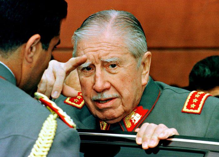 Nieto de Pinochet intenta reescribir la historia: