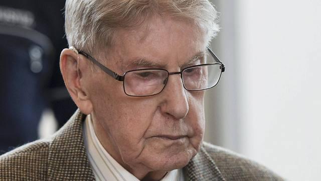 Fallece ex guardia de Auschwitz condenado por la muerte de 170 mil personas