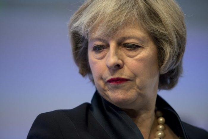 Nueva coalición británica es frágil: empeora previsión económica para el Reino Unido