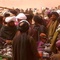 Las mujeres no se ven, no se pueden tocar instrumentos musicales ni usar celulares: así se vive en territorio controlado por el Talibán en Afganistán