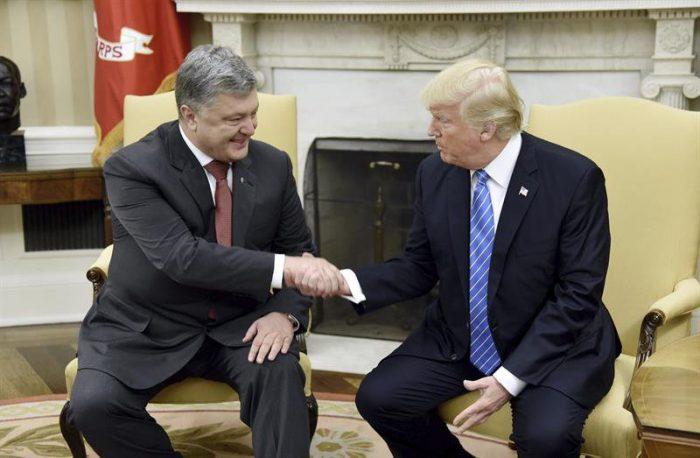 Trump recibe a Poroshenko y aumenta presión a Rusia por conflicto en Ucrania