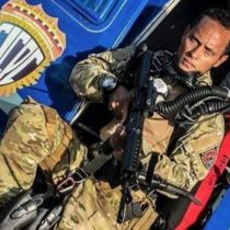 Quién es Óscar Pérez, el piloto de helicóptero, policía y actor al que el gobierno de Venezuela acusa de estar
