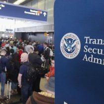 A partir de ahora para entrar a EE.UU. tendrás que dar tu información de Facebook y otras redes sociales