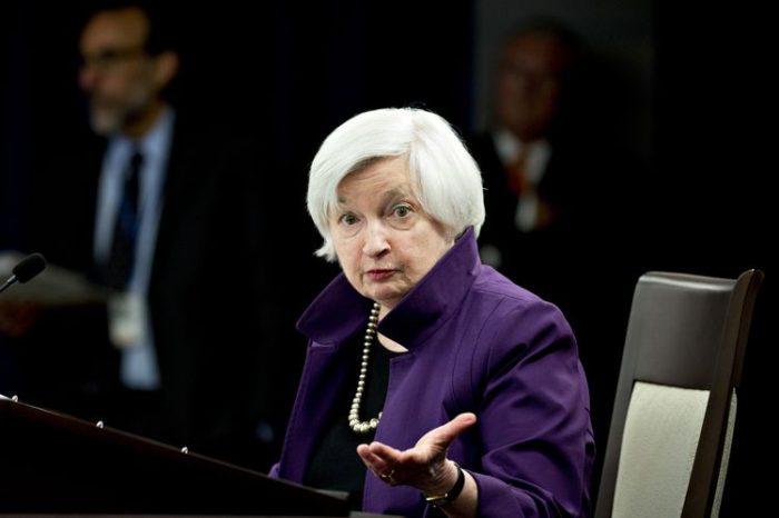 Asesores de Trump resisten continuidad de Yellen en la Reserva Federal
