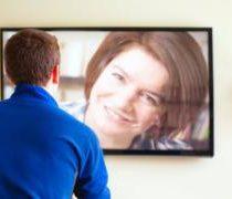 5  formas que tal vez no conocías de hacer videollamadas desde tu televisor