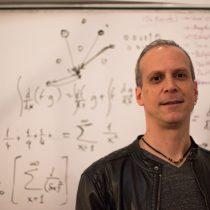 Taller de Posverdad & Redes Complejas con físico Cristián Huepe en Vértice Lab
