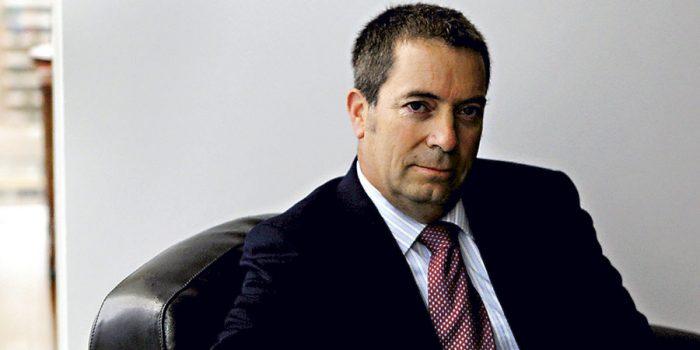 Los conflictos de interés del ex superintendente de Valores y Seguros Álvaro Clarke