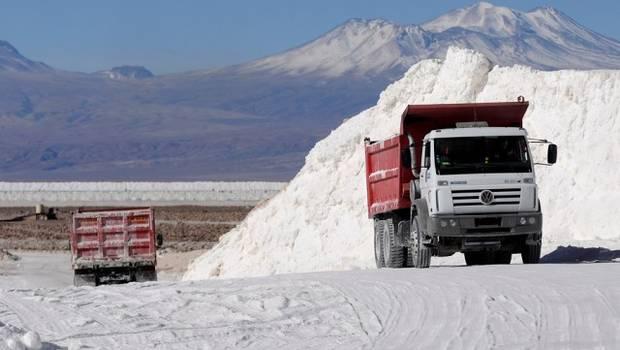 Chile doblará producción de litio a 2030 pero disminuirá su cuota de mercado
