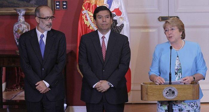 Rodrigo Valdés no logra evitar lo inevitable y Chile pierde su activo económico más preciado: ser el niño símbolo del manejo fiscal prudente