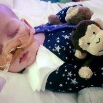 Padres del bebé Charlie Gard ponen fin a batalla legal para darle tratamiento experimental a su rara enfermedad terminal