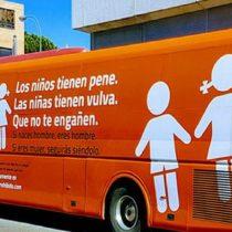 """Movilh y Fundación Iguales rechazan arribo a Chile de la campaña homofóbica del """"Bus de la Libertad"""""""